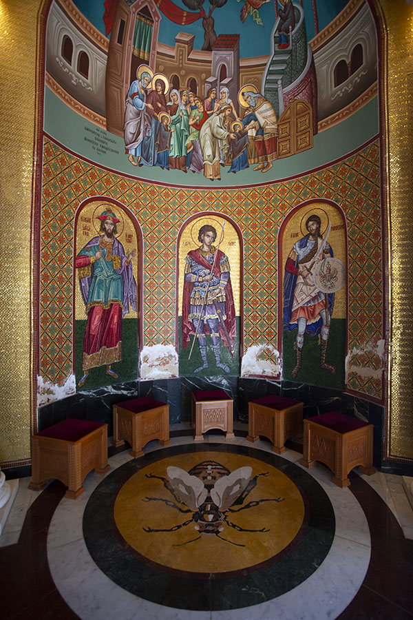 Interior of a modern Byzantine-style shrine on top of Throni | Tombe de Makarios | Chypre