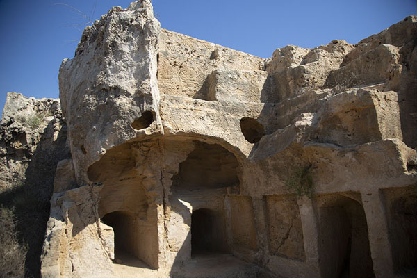 The exterior of Tomb IV | Tombs des Rois | Chypre