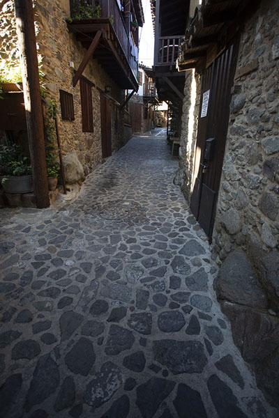 Main street in the old town of Kakopetria | Troodos bergdorpen | Cyprus
