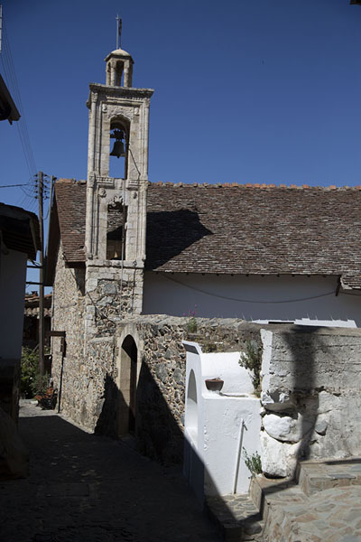 Foto di Bell-tower of the Metamorfosis church in KakopetriaTroodos - Cipro
