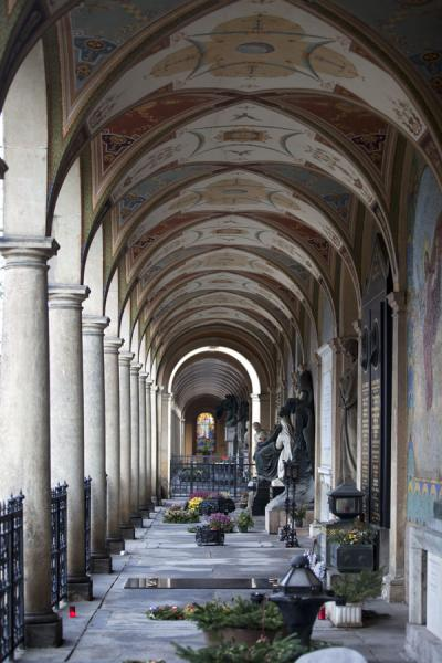 Picture of Vyšehrad cemetery (Czech Republic): Arcade at Vyšehrad cemetery with monumental tombs
