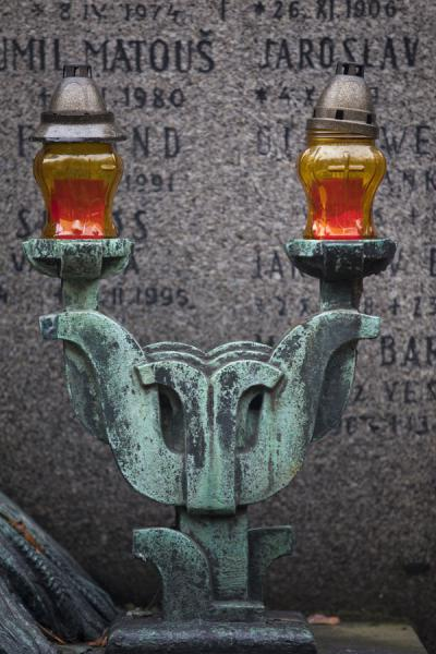 Lanterns on a tomb with tombstone in Vyšehrad cemetery | Praga | Repubblica Ceca