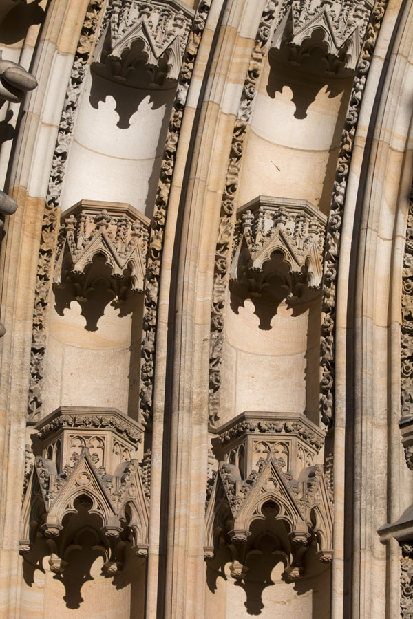 Foto di Detail of the portal of St. Vitus CathedralCastello di Praga - Cechia