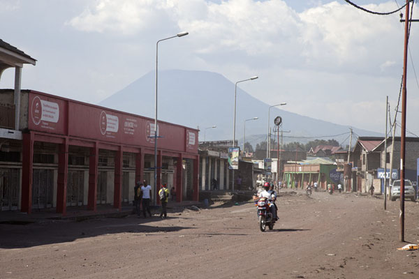 Avenue in Goma with the Nyiragongo volcano in the background | Goma | Democratic Republic Congo