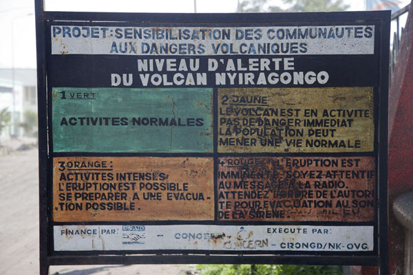 With the Nyiragongo volcano looming above the city, a warning system is in place to protect its inhabitants | Goma | Rep. Democratica del Congo