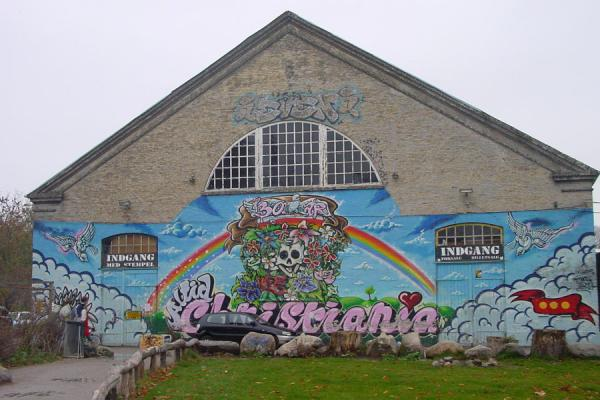 One of the army barracks with colourful decorations in Christiania | Christiania | Dinamarca