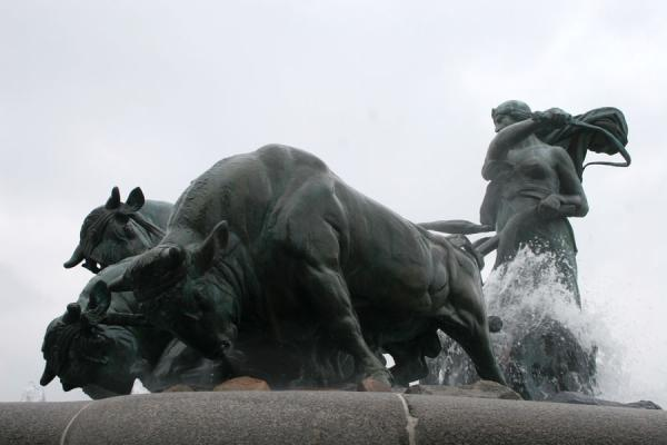 Picture of Gefion whipping her oxen at the fountain of the same nameCopenhagen - Denmark