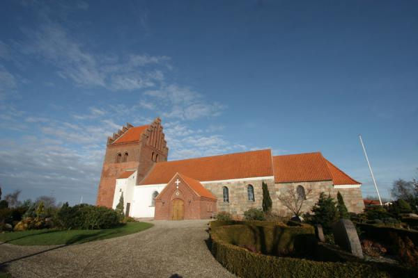 Picture of Vejle Fjord (Denmark): Gårslev church and churchyard