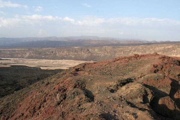 Photo de Ardoukoba Volcano: view from the top - Djibouti - Afrique