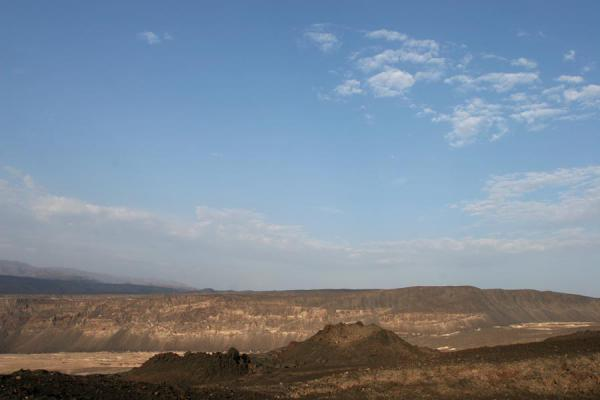 Photo de Lavafields and hills near Ardoukoba VolcanoArdoukoba - Djibouti