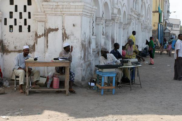 Picture of Djibouti town: people offering services in the streets