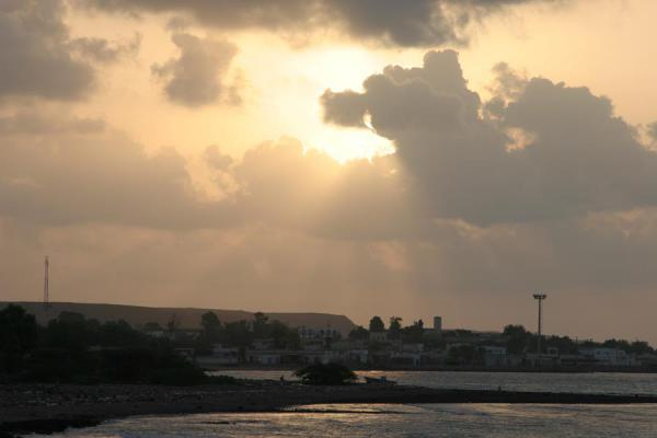 Photo de Morning view over TadjouraTadjourah - Djibouti
