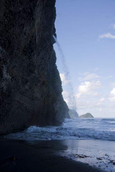 Picture of Ravine Cyrique waterfall (Dominica): Wild coastal landscape at Ravine Cyrique