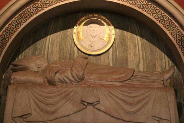 Picture of Tomb of a bishop in the Catedral Primada de las Américas