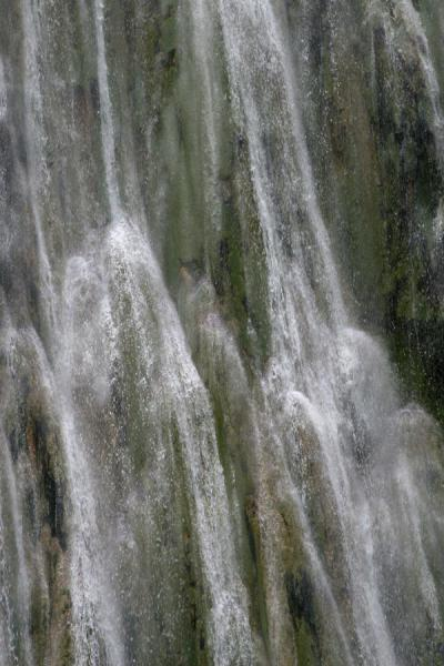 Foto de Close-up of Limón waterfallCataratas Limón - República Dominicana