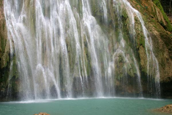 Picture of Limón waterfall (Dominican Republic): Curtain of water in the basin of Limón waterfall