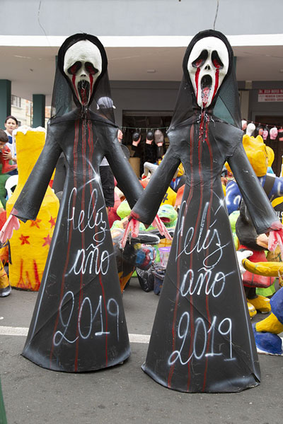 Two bloody dolls with wishes for the new year 2019 | Año viejo effigy dolls | Ecuador