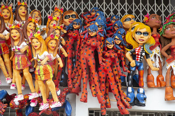 Various types of female dolls for sale at the market of 6 de marzo | Año viejo effigy dolls | Ecuador