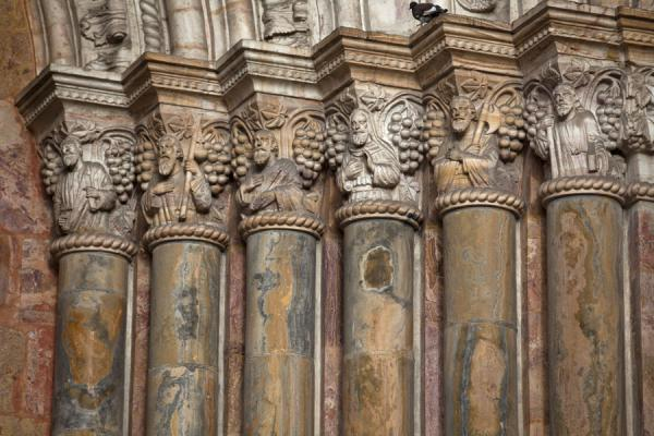 Detailed view of the columns at the portal of the Cathedral of Cuenca | Cuenca old city | Ecuador