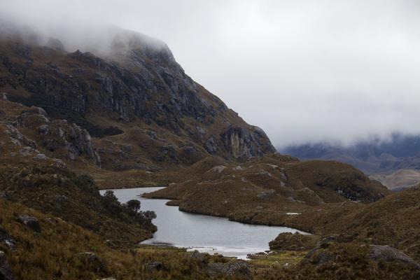 One of the lagoons in El Cajas with clouds coming in from below | Parc National El Cajas | l'Equateur