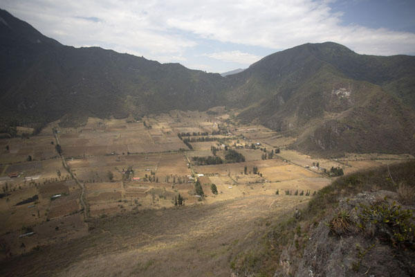 Panoramic view of Pululahua caldera from Cerro Pondoño - 厄瓜多尔 - 北美洲
