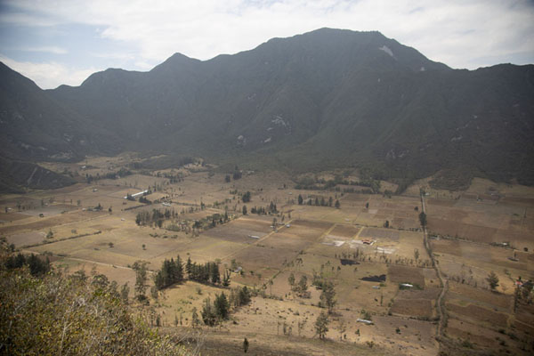 Picture of Pululahua caldera seen from the slopes of Pondoño mountain