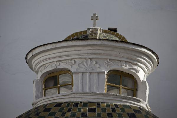 Foto di Top of a church in the historic centre of QuitoCittà vecchia di Quito - Ecuador