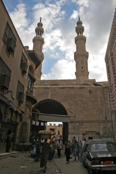 Foto di Bab Zuweyla gate and minarets seen from inside the old cityCairo - Egitto