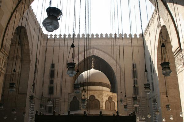 Dome and lanterns in the courtyard of Sultan Hassan mosque | Sultan Hassan mosque | Egypt