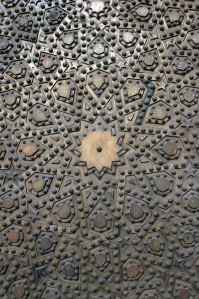 Detail of bronzen door of Sultan Hassan mosque | Mosquée Sultan Hassan | Egypte