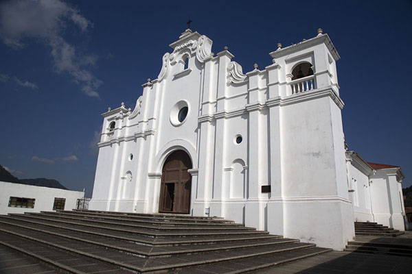 Foto van The white-washed church of ApanecaApaneca - El Salvador