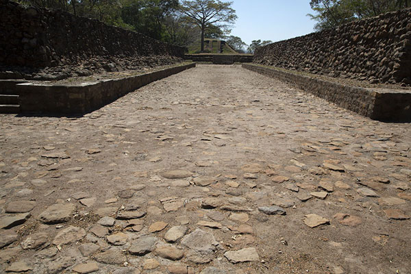 The north ball court of Cihuatán | Cihuatán | 萨尔瓦多
