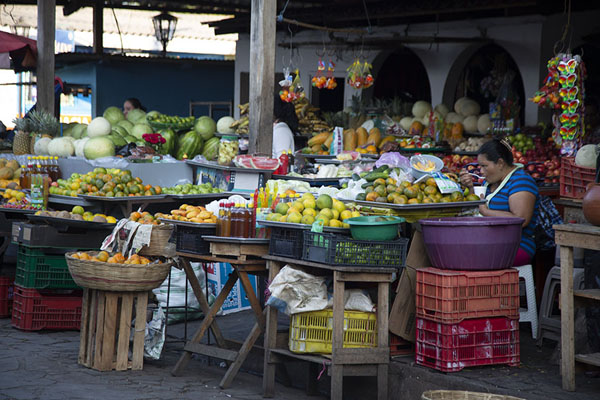 Foto van Fruit and vegetable market of Concepción de AtacoConcepción de Ataco - El Salvador