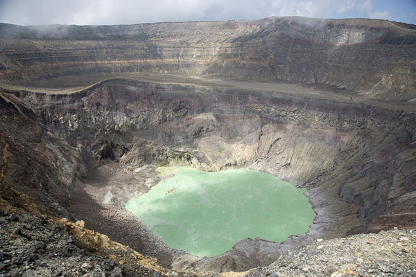 Foto di The craters of Santa Ana with the turquoise crater lakeVulcano Santa Ana - El Salvador