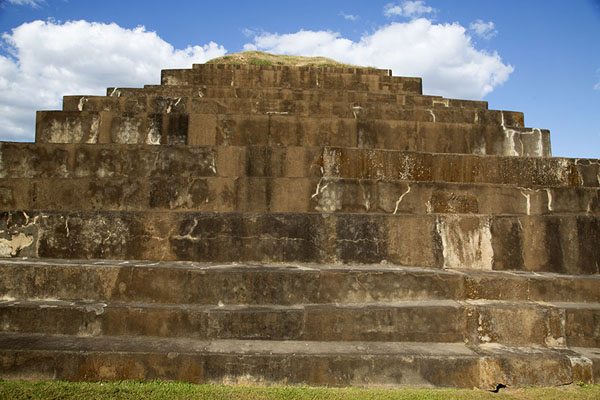 Picture of Frontal view of the south side of the pyramid of TazumalChalchuapa - El Salvador