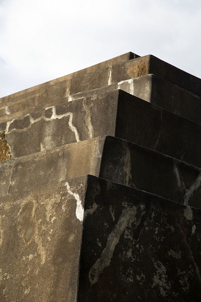 View of a corner of the great pyramid of Tazumal | Tazumal | El Salvador