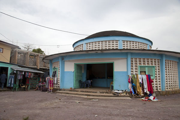 Picture of The circular market building in MbiniMbini - Equatorial Guinea