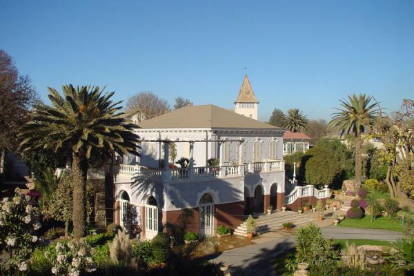 Foto di The Villa Roma, with its carefully kept garden, is now the residence of the Italian ambassador. Asmara - Eritrea