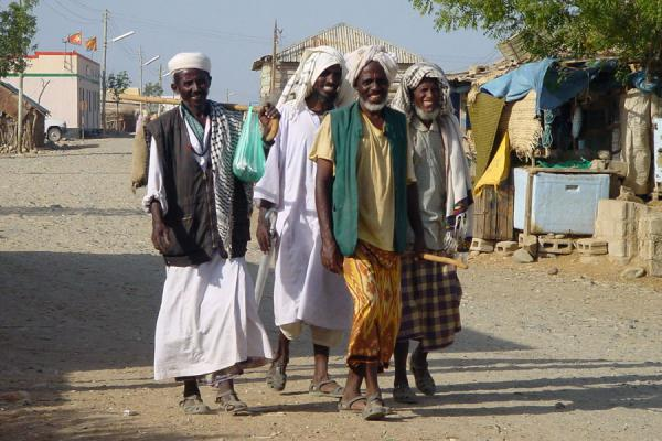 Picture of Eritrean people (Eritrea): Men walking the streets of Foro
