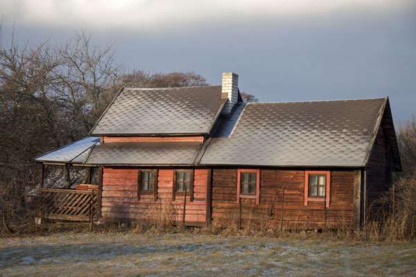 Foto de One of the typical wooden houses on Lahemaa National ParkLahemaa - Estonia