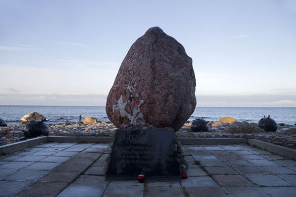 The monument for the thousands of people who died in a naval battle near Juminda Peninsula | Lahemaa Nationaal Park | Estland