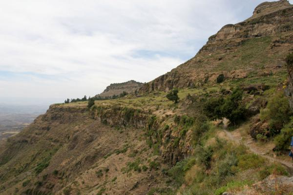 Picture of Genata Maryam Medhane Alem (Ethiopia): Mount Abuna Yosef: path leading to Mekina Medhane Alem church