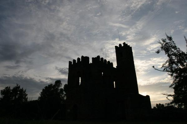 Foto di Contours of castle in the Royal Enclosure at sunsetGonder - Etiopia