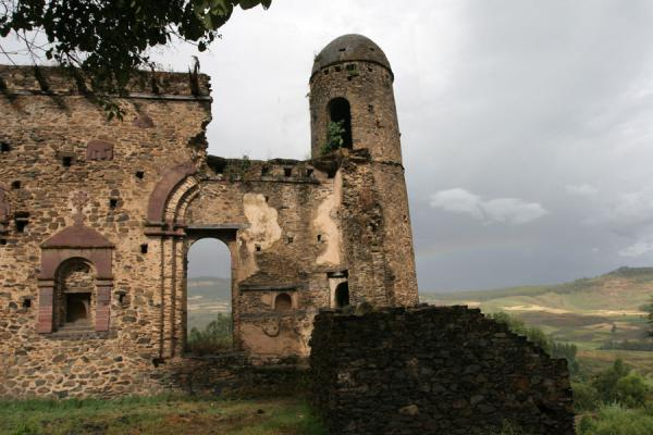 Tower and remains of a wall of Kuskuam Palace complex | Kuskuam | Ethiopia