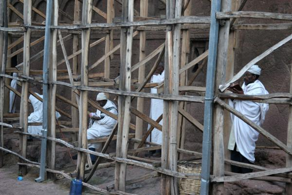 Praying under the scaffolding of Bet Meskal | Lalibela Sunday Mass | Ethiopia