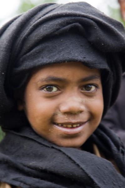 Photo de Local boy clad in a black scarfYirgalem - l'Ethiopie