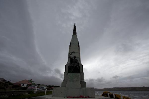 Foto di Battle Memorial, in remembrance of the Battle of the Falklands between Germany and Britain in 1914Stanley - Isole Falkland