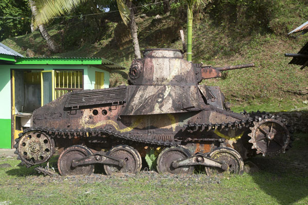 Foto de Japanese tank in the main street of KoloniaKolonia - Estados Federados de Micronesia