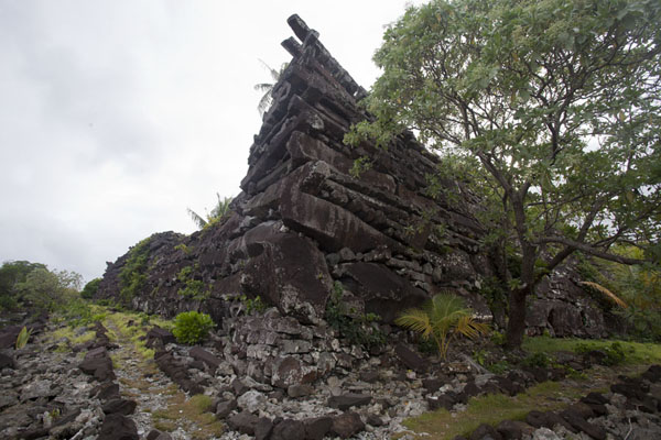 Corner of the main building on Nan Douwas | Nan Madol | Federale Staten van Micronesia