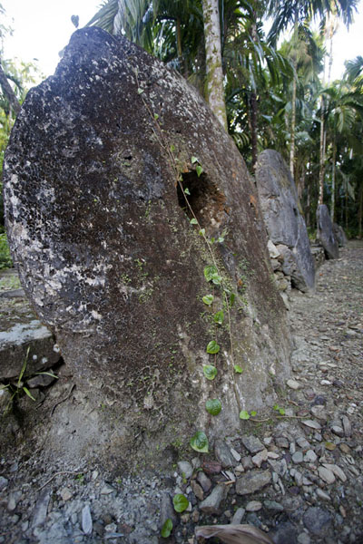 Picture of Okeu stone money bank (Federated States of Micronesia): Disks of stone money at Okeu stone money bank